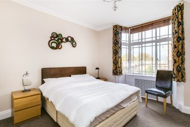 ensuite-double-room-right