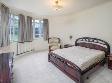 ensuite-double-room-lower-ground-3