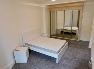 109-clive-court-double-room-third-right-2