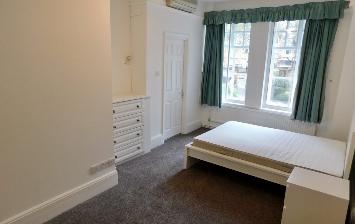 109-clive-court-ensuite-double-room-second-right-1