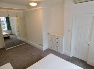 109-clive-court-ensuite-double-room-second-right-2