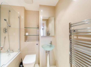 communal-bathroom