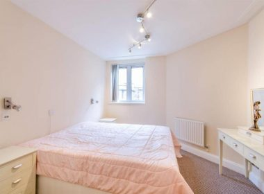 ensuite-double-room-right-1