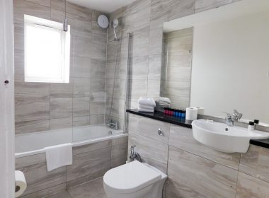 Ensuite Double Room Middle 1