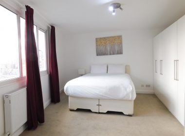 Ensuite Double Room Right 3